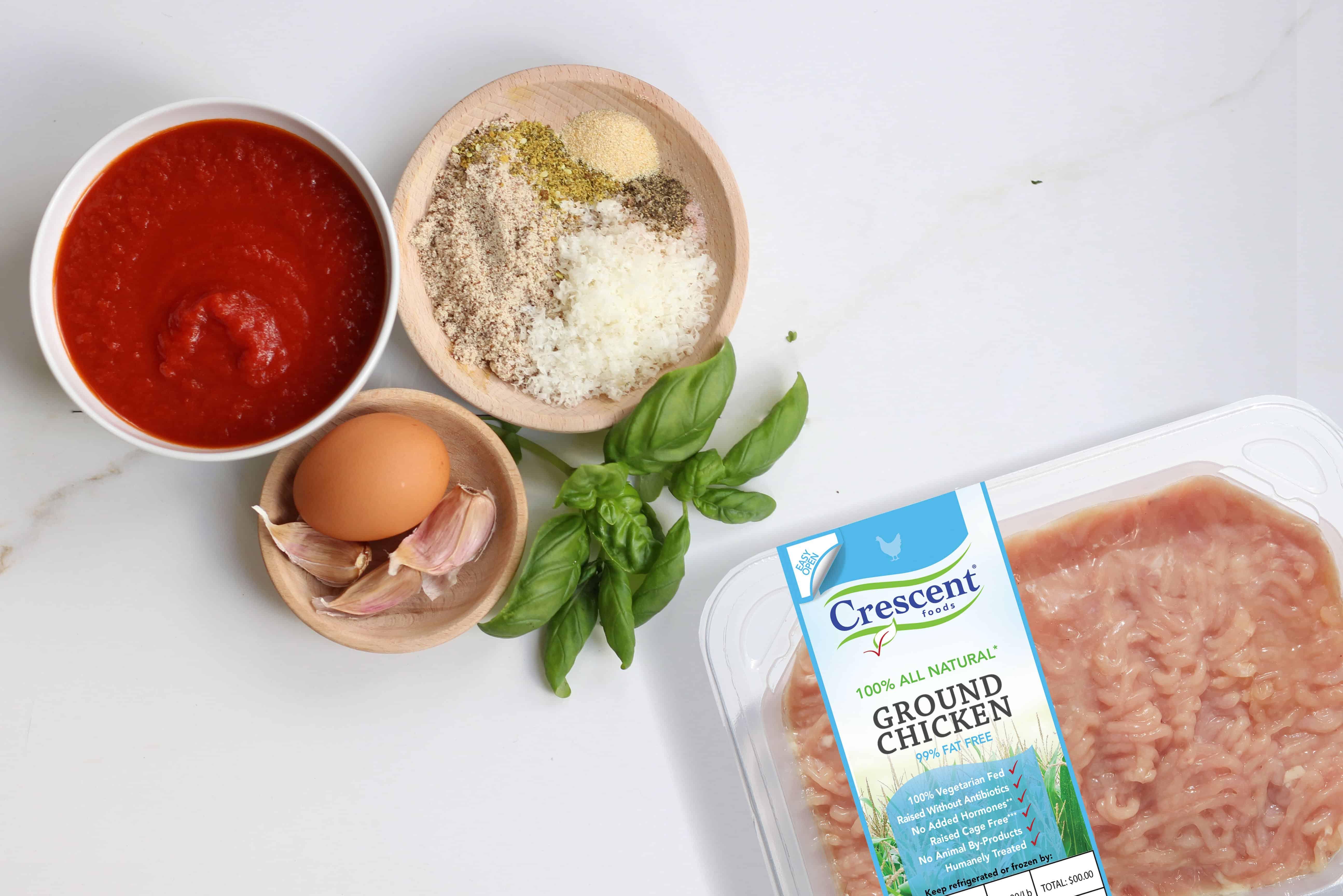 05--Chicken-Meatballs-in-Marinara-Sauce-Tray